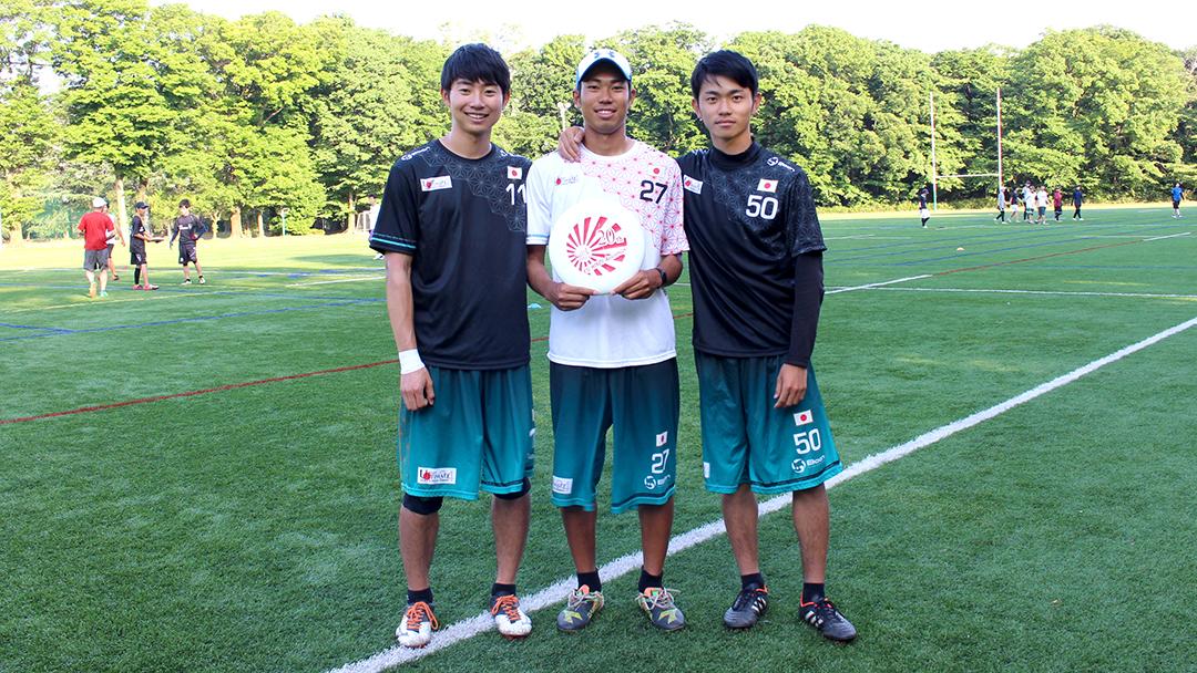 右から沖政貴大さん、中尾賢太郎さん、宮地紀年さん